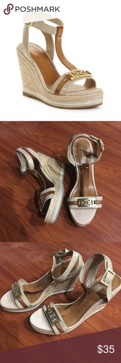 9a9e6e74d04 Tommy Hilfiger Brown Daisie Espadrille Wedges Size  8.5   9 Condition   Preowned