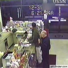 Robbery didn't go as expected - Find and Share funny animated gifs Funny As Hell, You Funny, Clean Jokes, Funny Memes, Hilarious, Funny Clips, Smart People, I Laughed, Haha