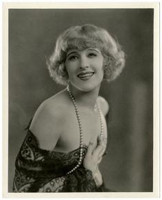 RISQUE 1920s JAZZ AGE SILENT FILM FLAPPER MARGARET LIVINGSTON VINTAGE PHOTOGRAPH