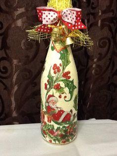 Шампанское к Новому году)) Christmas Centrepieces, Christmas Decorations, Custom Wine Bottles, Wine Bottle Glasses, Painted Wine Bottles, Fan Blades, Altered Bottles, Bottle Painting, Xmas Ornaments