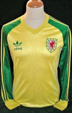 Mickey Thomas Adidas Away 1982