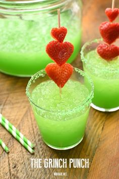 Celebrate Christmas in Grinch style. Here are best Grinch Christmas Party ideas. From Grinch Christmas decor to Grinch themed Christmas recipes are here. Christmas Party Drinks, Grinch Christmas Party, Christmas Snacks, Holiday Drinks, Christmas Baking, Holiday Recipes, Holiday Treats, Christmas Decor, Christmas Recipes