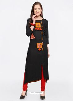 Dazzling Black Embroidered Kurti Simple Kurti Designs, Kurta Designs, Blouse Designs, Kurti Embroidery Design, Embroidery Fashion, Embroidery Patterns, Party Wear Kurtis, Kurti Designs Party Wear, Kurti With Jeans