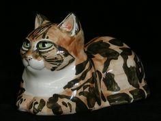 Studio Six (Fulham, London) pottery cat - Design: Seneshall