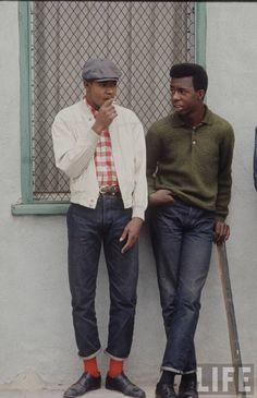 The Dapper Rebels of Los Angeles 1966 - from LIfe Magazine. Dapper for sure. We need more dapper. Estilo Mod, Estilo Denim, Men In Black, Black Guys, Mode Skinhead, Skinhead Style, Skinhead Fashion, Skinhead Reggae, Vintage Men