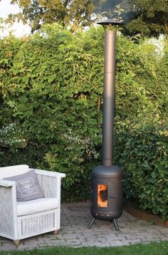 Wood Stove Chimney, Fire Pit Chimney, Fire Pit Patio, Outdoor Fire, Fire Pits, Gas Bottle Wood Burner, Barrel Stove, Mini Stove, Corner Sofa Design