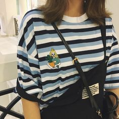DETAILS: available in2 styles embroidering as shown in pictures FIT DETAILS: One size: Bust: 100 - 105cm Length: 60cm Shoulder: 50cm DELIVERY: this product is