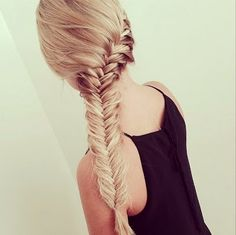 Stunning side-swept fishtail braid!  #beauty #beautytips #hairstyles #hairtrends #hairtrends2014 #fallhair #fallhairtrends #fallhairtrend2014 #fallhairstyles #runwayhairstyle #braid #braidshairstyle #beautyblogger #bbloggers