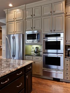 Traditional Kitchen Remodel, Decor and Ideas. Get this look with Giani Granite C. - Home Design Kitchen Redo, New Kitchen, Kitchen Dining, Kitchen Remodel, Kitchen Ideas, Kitchen Photos, Kitchen Interior, Kitchen Bars, Kitchen Oven