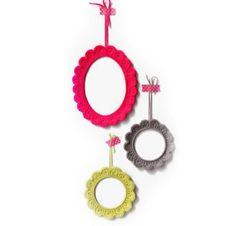 14 boas ideias de peças de décor com crochê   CASA.COM.BR Love Crochet, Handicraft, Crochet Earrings, Diy, Crafts, Toque, Kimono, Paper Roll Crafts, Good Ideas