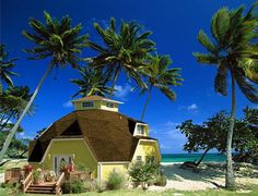 Dome home by the beach, for when we finally move to Hawaii ; Monolithic Dome Homes, Geodesic Dome Homes, Round Building, Building A House, Dome Home Kits, Moving To Hawaii, Dome House, Energy Efficient Homes, Earth Homes
