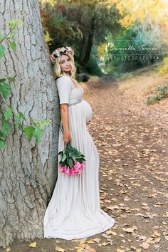 Danielle Torres Photography: maternity Love the dress. So simple. So beautiful.