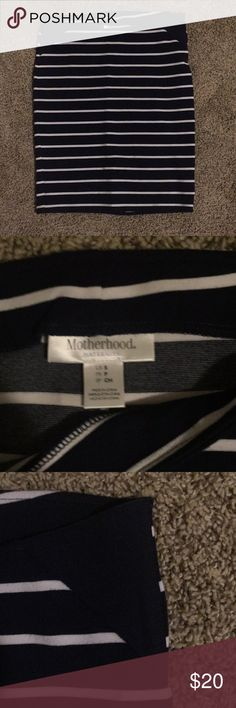 Motherhood maternity skirt Never worn Motherhood Maternity Skirts Pencil