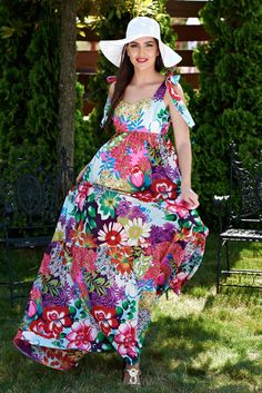 Rochie Artista Floral Reason White. Rochie lunga Artista, din bumbac, cu imprimeu floral, fara maneci.