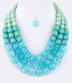 Triple strand necklace Mint/Turquoise
