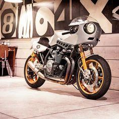 Deus Ex Machina : Eau Rouge Yamaha XJR1300 | Sumally (サマリー)