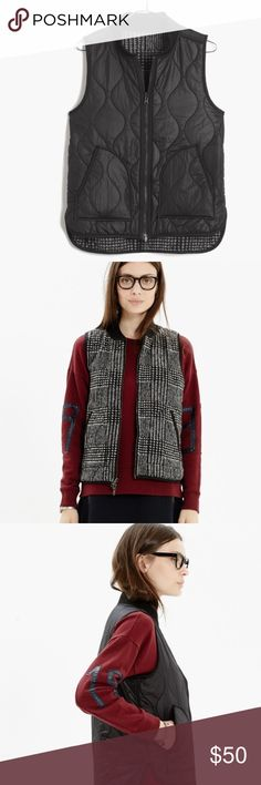 Madewell reversible vest Soft quilted plaid on one side and more traditional puffer on the other. Poly/acrylic infinite wear possibilities Madewell Jackets & Coats Vests