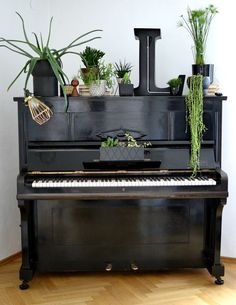 Green piano styling by Anette Laurim