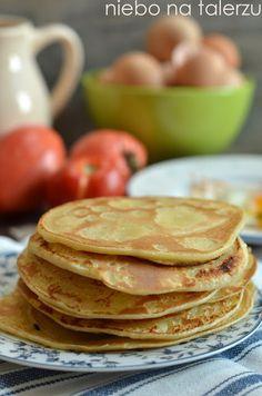 Bliny - dwa najlepsze przepisy na tradycyjne bliny, jeden przepis z ziemniaków, drugi na drożdżowe placki na mące gryczanej. Happy Foods, Pancakes, Breakfast, Kitchens, Cooking Recipes, Food And Drinks, Koken, Breakfast Cafe, Crepes