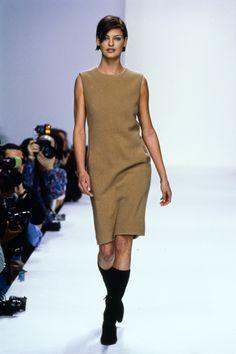 Calvin Klein Collection Fall 1995 Ready-to-Wear Fashion Show - Linda Evangelista