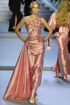 Sfilata Christian Dior Paris - Collezioni Autunno Inverno 2007/2008 - Vogue