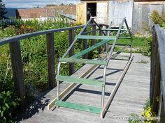 Idée de Poulailler mobile - Plan de poulailler mobile - Poulailler à vendre… Instructions: http://www.jardinage-quebec.com/tracteur-a-poules/tracteur-a-poules.html