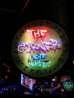 The Corner Bar - Sukhumvit Bts Asok Corner Bar, Live Music, Bangkok, Tourism, Neon Signs, Bts, Turismo, Travel, Traveling
