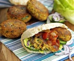 BBC Good Food falafel burgers: I make these into normal sized falafel but I'm sure either would be just as delicious Burger Recipes, Veggie Recipes, Vegetarian Recipes, Healthy Recipes, Yogurt Recipes, Diet Recipes, Healthy Food, Bbc Good Food Recipes, Cooking Recipes
