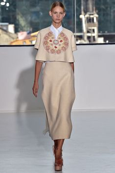 #Delpozo #SS2015 #Catwalk #MBFWNY #NewYork #trends #organicGeometry #flowers #crepped #in