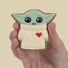 Royal Icing Cookies, Cupcake Cookies, Bolo Star Wars, Yoda Cake, Star Wars Cookies, Graduation Cookies, Star Wars Christmas, Star Wars Baby, Valentine Cookies