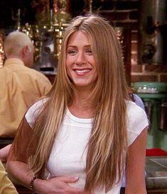 Jennifer Aniston Long Hair, Jennifer Aniston Hair Friends, Jennifer Aniston Pictures, Jenifer Aniston, Rachel Friends Hair, 90s Haircuts, 90s Hairstyles, Haircuts For Long Hair, Estilo Rachel Green