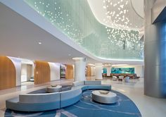 The International Interior Design Association (IIDA) has announced Stantec as the Best of Competition winner of the 2016 Healthcare Interior Design Competition for the project Florida Hospital for Women, in Orlando, Florida. Clinic Design, Healthcare Design, Medical Design, Hospital Architecture, Interior Architecture, Hospital Design, Lobby Design, Interior Design Magazine, Design Competitions