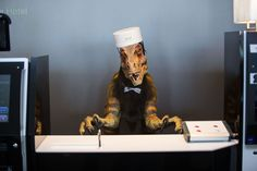 CURI/ Henn na Hotel is the world-first hotel staffed by robots.The receptionist robot that speaks in English is a vicious-looking dinosaur.