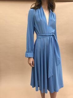 VINTAGE | Deep V Midi Dress - Powder Blue (S)