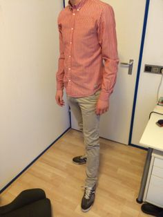 This shirt is one of the more colourful one's. Matched with the sand chino and the grey shoes make's it perfect.