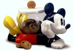 Mickey Mouse Cookie Jar made in China by Treasure Craft awkward placement for the jar though! Mickey Mouse House, Mickey Mouse Kitchen, Mickey Mouse Cookies, Disney Cookies, Mickey Minnie Mouse, Disney Mickey, Disney Kitchen Decor, Disney Home Decor, Kitchen Themes