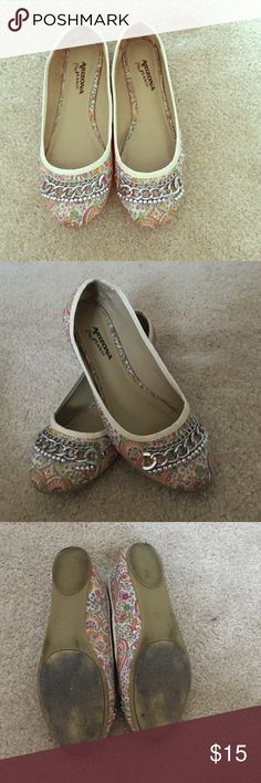 Arizona Jean Co. Paisley/Floral Patterned Flats These shoes include a cute patterned outside and 2 lines of chains and a line of beading near the toes. The bottoms are fairly dirty, and there are a few beads missing from the left shoe. These shoes were only worn a couple of times! Arizona Jean Company Shoes Flats & Loafers