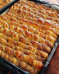 Hashasli cevizli corek Breakfast Items, Sweet Bread, French Toast, Bacon, Pork, Meat, Desserts, Instagram, Food Food