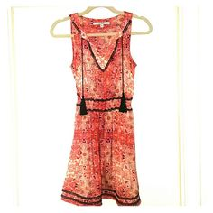Barely worn GUESS dress WORN TWICE~XS Guess Dress with pockets Guess Dresses Mini