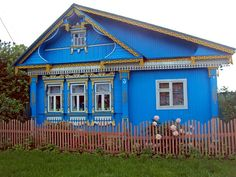A traditional Russian house at Matrokhinо village, Ivanovo region, Russia
