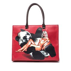 A unique bag sporing artwork by the infamous pop artist Mel Ramos.