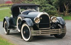 1926 Kissel 8-75 Speedster ~~ The Kissel Motor Car Company was an American automobile manufacturing company founded by Louis Kissel and his sons, George and William, on June 5, 1906