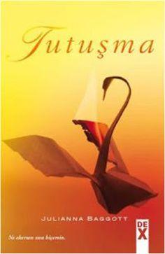 Tutuşma - Julianna Baggott (Pür Serisi 3) ePub PDF e-Kitap indir   Julianna Baggott - Tutuşma (Pür Serisi 3) ePub eBook Download PDF e-Kitap indir Julianna Baggott - Tutuşma (Pür Serisi 3) PDF ePub eKitap indir Onları yalanlarından mahrum bırakırsan kendilerini yok ederler. Willuxun ölümü ve Partridgein Pürlerin başına geçmesiyle Kubbenin dışındaki kül ve dumanın arasında ilk kez umut yeşermeye başlıyor. Dışarısı ve içerisi arasında nihayet eşitlik sağlanacak Willuxun yalanları açığa çıkacak…