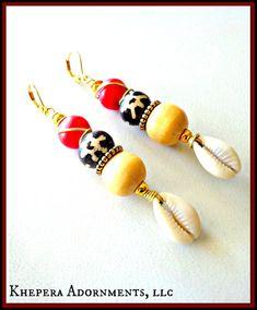 Zee schelp oorbellen kauri schelp oorbellen, Gypsy oorbellen, Bohemian oorbellen, Afrikaanse oorbellen, etnische oorbellen, Tribal oorbellen