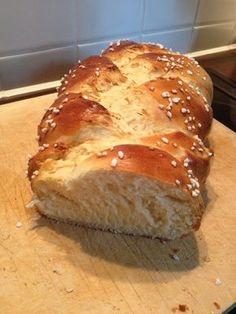 Hefezopf wie beim Bäcker, ein sehr schönes Rezept aus der Kategorie Kuchen. Bewertungen: 629. Durchschnitt: Ø 4,8.