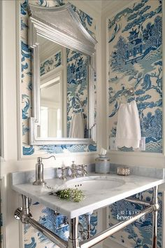 Navy Blue Powder Room - Design photos, ideas and inspiration. Amazing gallery of interior design and decorating ideas of Navy Blue Powder Room in bathrooms, laundry/mudrooms, boy's rooms by elite interior designers - Page 1 Toile Wallpaper, Chinoiserie Wallpaper, Chinoiserie Chic, Bathroom Wallpaper, Wallpaper Feature Walls, Remove Wallpaper, Asian Wallpaper, Framed Wallpaper, Wallpaper Patterns