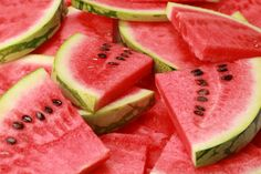 3 Reasons Why Watermelon is the Perfect Summer Fruit. Yes! Watermelon on a hot day is refreshing and fun. #superfoods