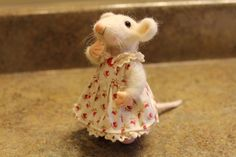 Handmade Needle Felted Miniature Animals/ Soft sculpture / Mouse / Eco friendly animal sculpture / Valentine's Day /Felt toy / Art Doll.