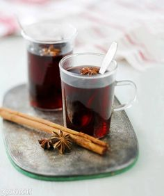 Glögi (mulled wine) is served around holiday season Christmas Drinks, Christmas Kitchen, Finnish Recipes, Owl Cakes, Cocktails, Edible Arrangements, Time To Eat, Edible Art, Creative Food