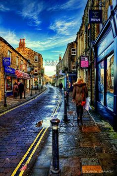 A cold winter day on de street of Skipton, North Yorkshire_ England